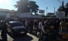 Agentes Penitenciários se concentram em acesso ao Complexo de Gericinó Foto: Divulgação