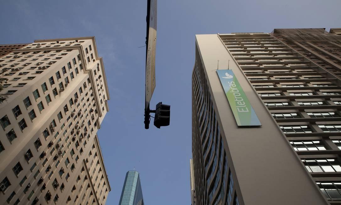 Temer assina projeto de lei que permite a privatização da Eletrobras