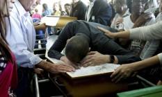 Enterro da médica morta na Linha Vermelha. Foto: Gabriel de Paiva / Agência O Globo