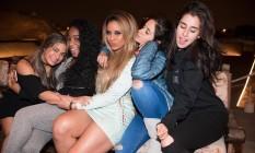 As meninas do Fifth Harmony depois do primeiro show da turnê '7/27', no Peru Foto: Reprodução / Facebook