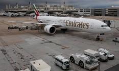 Bem-vindas. Aeronave no Galeão: para governo, é preciso melhorar ambiente de negócios para atrair aéreas estrangeiras Foto: Márcio Alves / O Globo