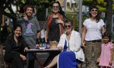 Participantes reunidos na Tijuca: feira faz parte do calendário do aniversário do bairro Foto: Gabriel de Paiva / Agência O Globo