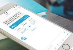Aplicativos de viagem e das companhias aéreas, como este, da KLM, são boas indicações Foto: Divulgação/KLM