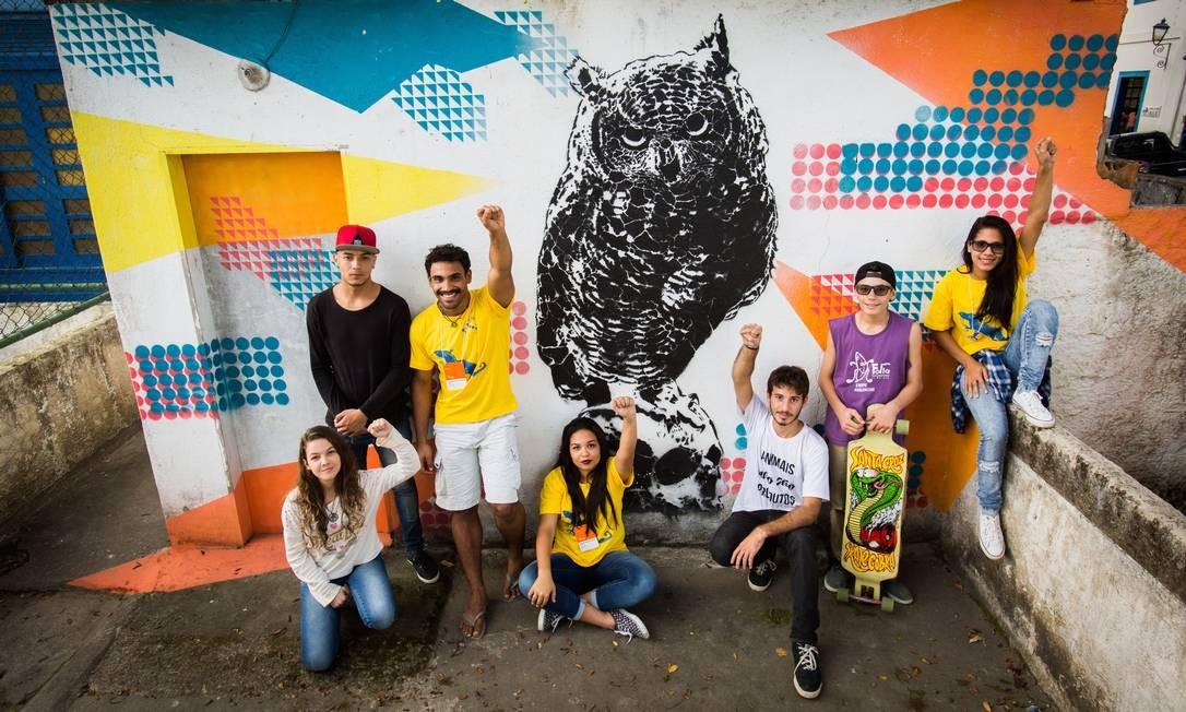 Alunos que ocupam o Colégio Estadual Engenheiro Moura Brasil do Amaral, o Cembra, em Paraty Foto: Bárbara Lopes / Agência O Globo