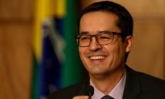 O procurador Deltan Dallagnol em homenagem a pessoas que coletaram assinaturas para a iniciativa de 10 medidas contra a corrupção Foto: Pedro Kirillos/Agência O Globo