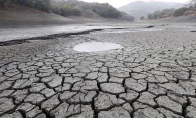 Mudanças climáticas devem tornar eventos extremos, como secas prolongadas, mais comuns Foto: Marcio Jose Sanchez / AP