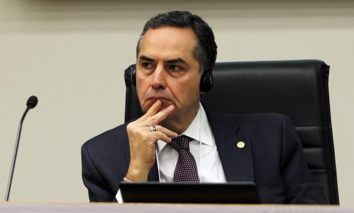 Barroso diz que corrupção é regra espantosa e defende restrição do foro privilegiado