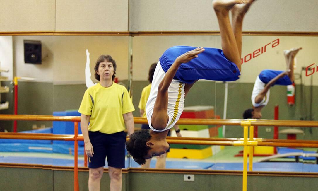 Guilherme voa durante os treinos de ginástica Eduardo Viana