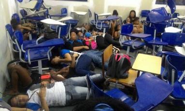 Tiroteio na Maré deixa alunos e funcionários encurralados Foto: Divulgação / Redes da Maré