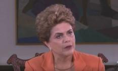 A presidente afastada, Dilma Rousseff, em entrevista ao jornalista Kennedy Alencar Foto: Reprodução