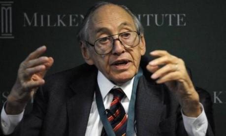 Alvin Toffler, professor e autor de 'Choque do futuro' e 'A Terceira Onda' Foto: Reuters