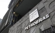 Governança. Sede da Petrobras: especialistas criticam emaranhado jurídico e conflito de regras com a Lei das S.A. Foto: Pedro Teixeira / O Globo