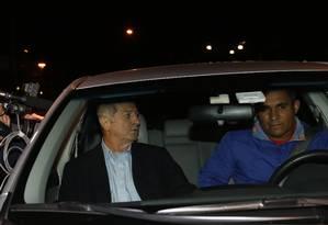 O ex-ministro Paulo Bernardo deixa a Superintendência Regional da Policia Federal em São Paulo Foto: Edilson Dantas / Agência O Globo / 29-6-2016
