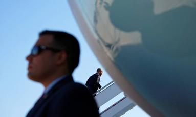Na quarta-feira, presidente Barack Obama embarcou para viagem na base aérea de Washington Foto: KEVIN LAMARQUE / REUTERS
