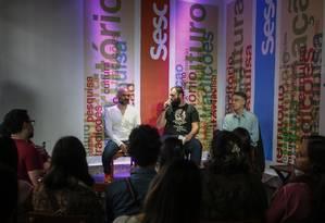 Café Literário no Centro Cultural SESC, com Braulio Tavares e André Vianco Foto: Alexandre Cassiano / Agência O Globo