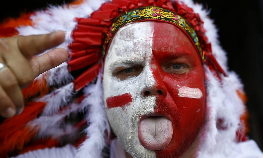 Torcedor polonês exibe pintura temática antes do jogo contra Portugal, que pode levar Polônia a uma semifinal inédita de Eurocopa WOLFGANG RATTAY / REUTERS