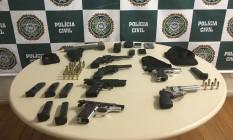 DH prende acusados de integrarem milícia em Jacarepaguá Foto: Divulgação