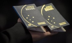 O passaporte emitido pela Casa da Moeda Foto: Marcelo Camargo/Agência Brasil