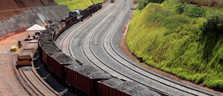 Trecho da ferrovia Norte-Sul entre Palmas (TO) e Anápolis (GO) Foto: Ailton de Freitas / O Globo / 15-5-2014