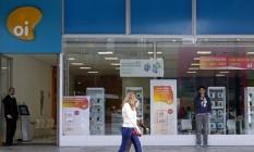 Disputa acirrada. Loja da Oi em São Paulo: Alvarez & Marsal e Deloitte são citadas no mercado como opções para o cargo de administrador judicial Foto: Edilson Dantas / O Globo