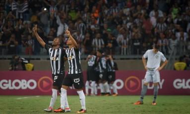 Jogadores do Atlético-MG comemoram um dos gols nos 5 a 3 sobre o Botafogo Foto: Terceiro / Agência O Globo