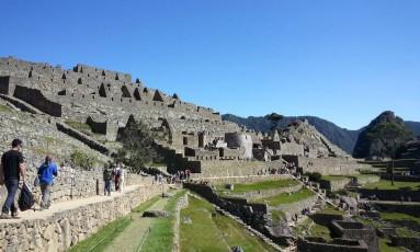 Autoridades informaram que o turista desrespeitou as medidas de segurança do parque arqueológico de Machu Picchu Foto: Tiago Dantas / Agência O Globo