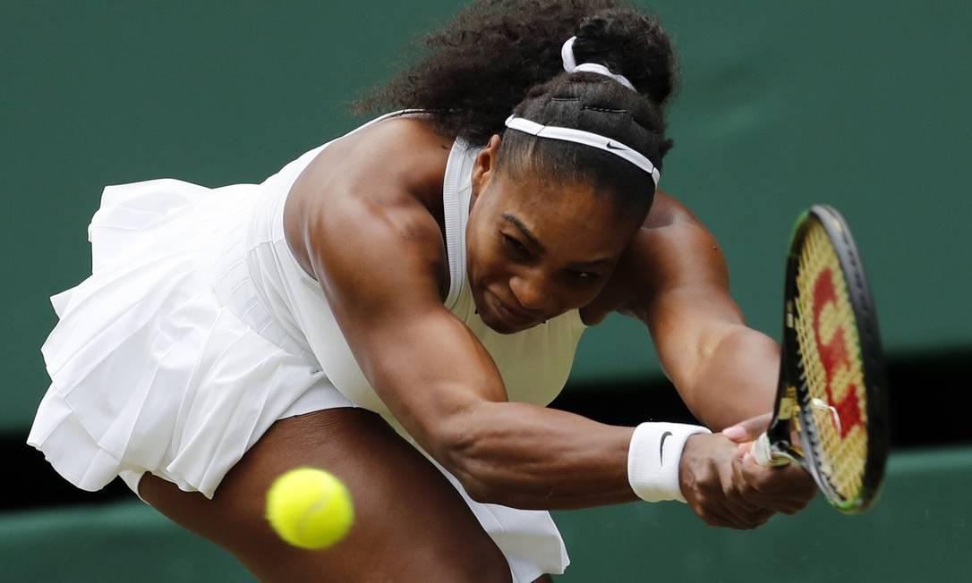 A tenista americana Serena Williams, enfrenta a compatriota Christina McHale, no quinto dia do Torneio de Wimbledon Ben Curtis / AP