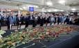 O presidente turco, Recip Tayyip Erdogan, participa de homenagem às vítimas do atentado no aeroporto de Ataturk