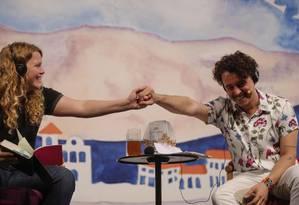 Kate Tempest e Ramon Mello encerraram o sábado em Paraty Foto: Alexandre Cassiano / Agência O Globo