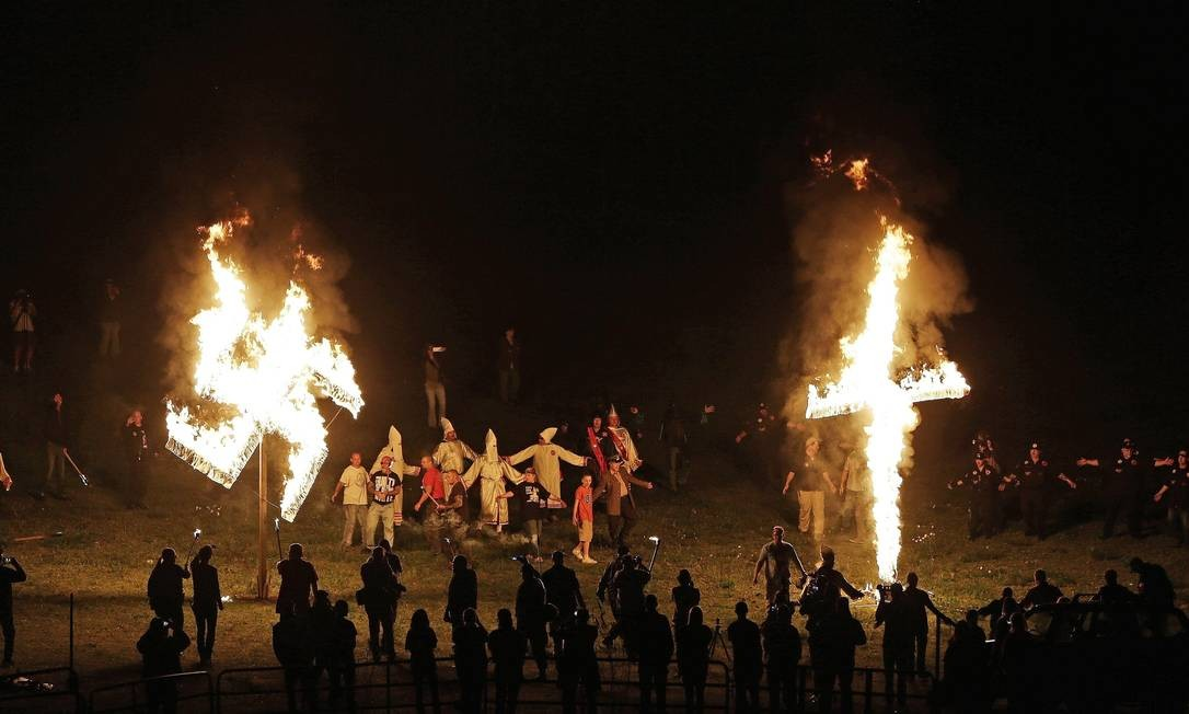 Ku Klux Klan volta a assombrar os EUA - Jornal O Globo