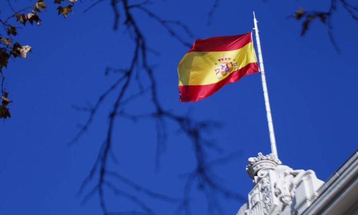 Bandeira espanhola na Bolsa de Madri Foto: Angel Navarrete / Bloomberg/21-12-2015