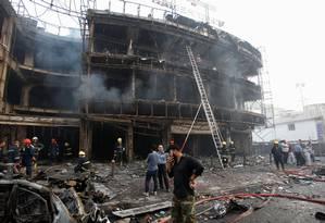 Área do shopping Karrada, atingida por explosão Foto: KHALID AL-MOUSILY / REUTERS
