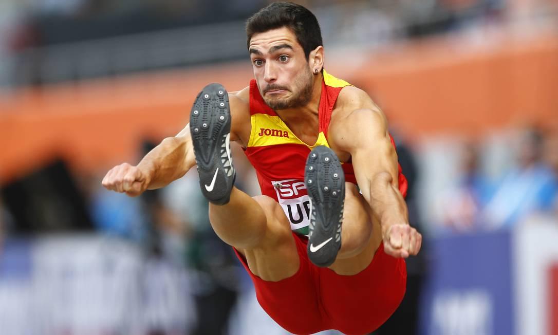 O espanhol Jorge Urena particpa da competição do decatlo no Europeu de Atletismo disputado na Holanda Matthias Schrader / AP