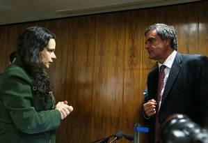 A jurista Janaina Paschoal e o advogado José Eduardo Cardozo Foto: Ailton de Freitas / Agência O Globo / 6-7-2016