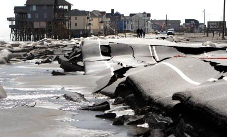 Devastação. Rastro de destruição deixado pela passagem do furacão Sandy na Carolina do Norte, Estados Unidos Foto: Steve Earley / AP