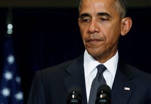Presidente Barack Obama faz um pronunciamento sobre a morte de policiais em Dallas depois de encontrar com líderes europeus na cúpula da Otan em Varsóvia, na Polônia Foto: JONATHAN ERNST / REUTERS