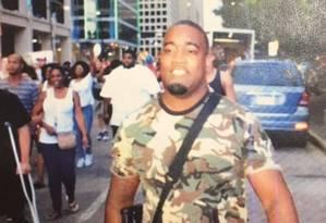 Mark Hughes, no post publicado pelo Departamento de Polícia de Dallas Foto: Reprodução/Twitter