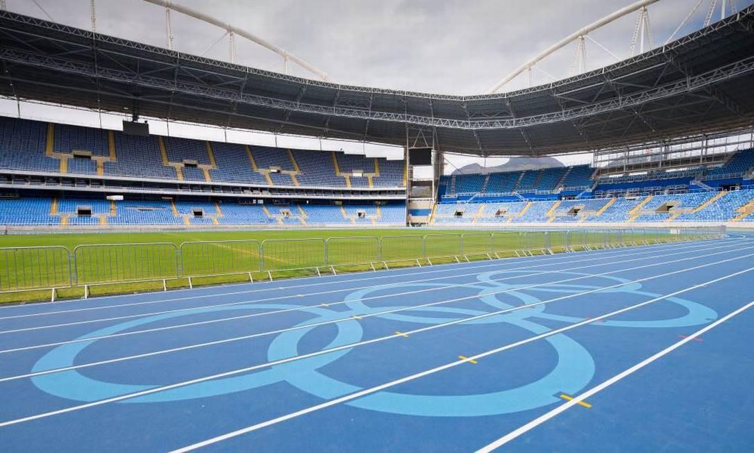 Pista De Atletismo Do Engenhao Ganha Desenho Dos Aros Olimpicos