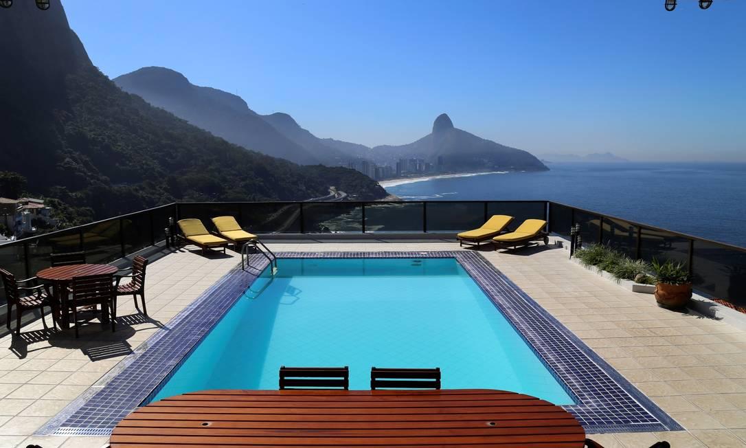 Mansão no Joá está alugada para os jogos e será negociada pela Rio Exclusive Foto: Divulgação