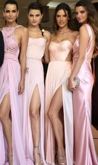 Fernanda Motta, Isabeli Fontana, Alessandra Ambrósio e Jeisa Chiminazzo: as madrinhas supermodelos de Ana Beatriz Barros Reprodução/ Instagram