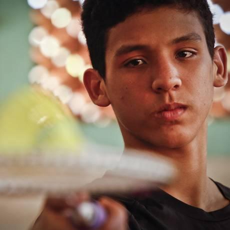 O jovem Felipe Ribeiro, de 16 anos, disputará o Pan-americano júnior de badminton, no Peru Foto: Guilherme leporace