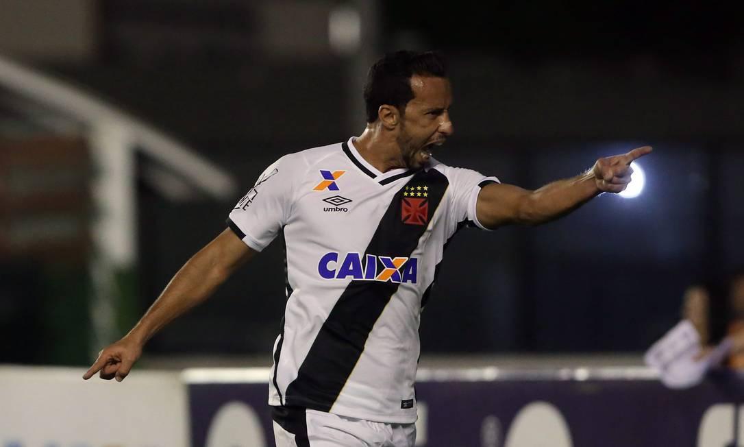 Nenê comemora o gol do Vasco diante do Brasil de Pelotas, em São Januário Rafael Moraes