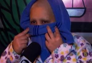 Vítima ficou amarrada e teve seu cabelo raspado Foto: Reprodução TV GLOBO