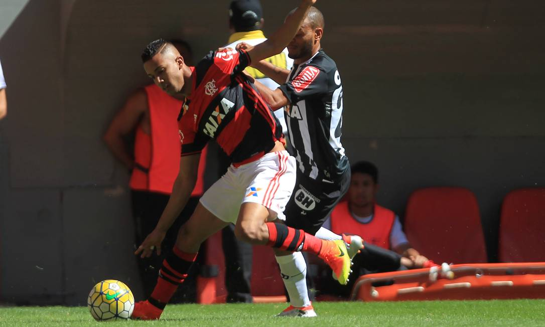 Flamengo e Atlético-MG fazem bom início de Campeonato Brasileiro, mas o Galo não consegue ganhar fora de casa Jorge William / Agência O Globo