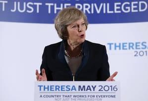 Em Birmingham, ministra do Interior do Reino Unido, Theresa May, lança oficialmente sua campanha para se tornar primeira-ministra Foto: Chris Radburn / AP