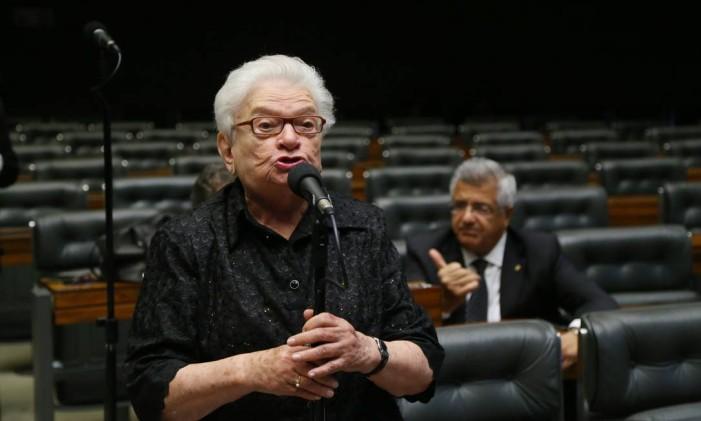 A deputada Luiza Erundina (PSOL-SP) Foto: Ailton de Freitas / Agência O Globo / 5-5-2016