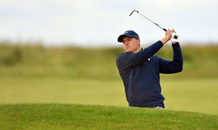 Rory McIlroy diz que não verá o torneio de golfe nos Jogos Olímpicos, pois prefere ver os esportes que 'realmente importam' Foto: BEN STANSALL / AFP