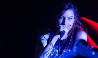 A cantora e compositora Pitty durante show da turnê 'SETEVIDAS' Foto: Divulgação/Eduarda Trajano