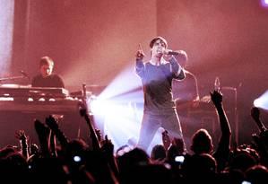 O cantor e compositor Jay Vaquer no palco Foto: Divulgação