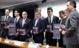 Deputados da comissão que vai discutir o pacote de dez medidas contra a corrupção